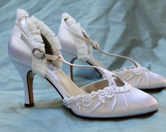 Ivory lace low wedding shoes - The Ava - Flapper shoes
