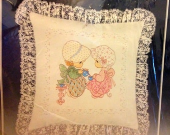 Precious Moments Pillow Kit Forever Friends by Paragon Vintage Needlecraft Stitchery Pillow Kit