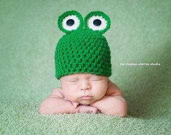 Super cute Frog crochet hat. Newborn. Great photo photography prop. UK seller