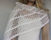 Bridal Shawl Winter Stole, White Bridesmaids Shoulder Wrap, Romantic Wedding Dress Cover-up Accessory, Warm Crochet Cape, Handmade