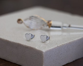 Nova White Gold Solid Heart Earrings