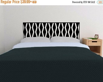 ON SALE - Knees Knocking Headboard decal  - Vinyl wall sticker decal - geometric pattern