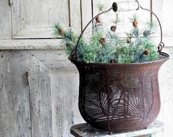 Vintage Primitive Rusty Wire Basket Planter with Handle, Farmhouse Antiques