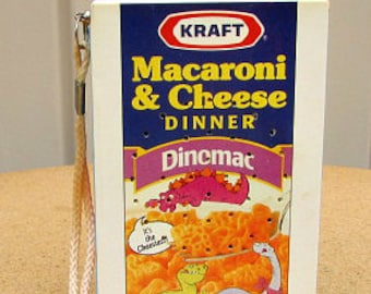 vintage 90s kraft macaroni & cheese transistor radio am fm  dinomac