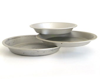 Mirro Pie Pan 288AM 8 x 1 1/4, 319AM 9 x 1 Aluminum Pie Plates