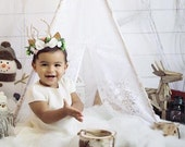 Mini poppy 5 sided white floral lace teepee tent with oak stained wooden polls