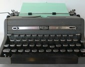 vintage Royal typewriter, manual, grey,as is, with case, from Diz Has Neat Stuff