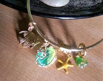 Bangle #Genuine #Green #Sea #Glass #Frosted #Gold #Fish #Starfish #Shell #Bangle #EarthSeaEcoJewelry #Beach