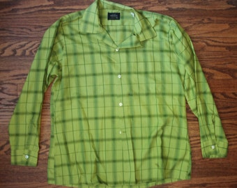 Vintage Olive Green Plaid Button-up Shirt