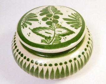 Vintage TONALA JAL MEXICO Trinket Box - Pottery - Ceramic - Natural Fiber Leaves - Green & White - Signed