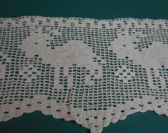 So Cute Vintage Hand Crocheted  Trim / Edging with Baby Lamb or Goat, Diamonds and Scalloped Edge  - 10 Yards - Hand Crochet Trim