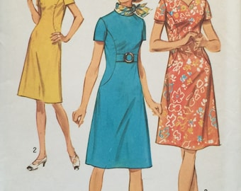 "Simplicity 9383 Dress with Two Necklines in Misses' Pattern, UNCUT, Size 20, Bust 42"", Vintage 1971, Sweetheart Neckline, Retro"