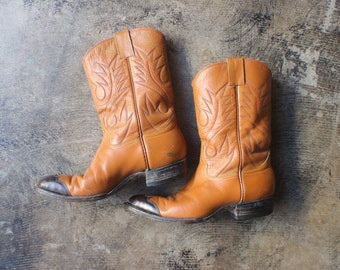 Size 6 / Women's COWBOY BOOTS / Two Tone Leather Western Boots /Vintage