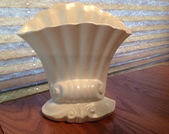 "White 8"" Vintage Red Wing Pottery Vase Fan Shell"