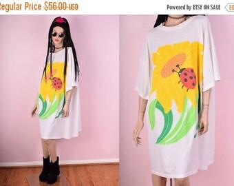 SUMMER SALE 90s Daisy Oversized Tshirt Dress
