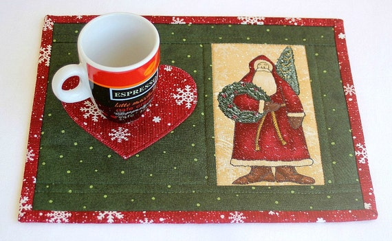 Christmas mug rug quilted santa green red snack mat