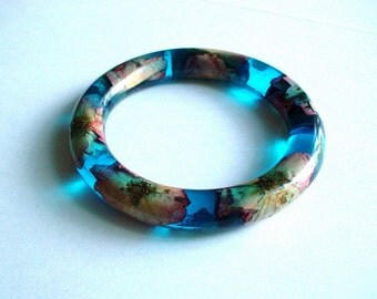 Hand Made Real Pink Roses Blue Resin Bangle,Real flowers and leaf,Gift idea