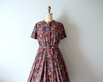 50s 60s dress . vintage fall leaves print dress . medium