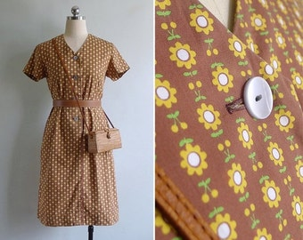 20% CNY SALE - Vintage 70's Kitschy Yellow Sunflower Print Cotton Shift Dress S or M