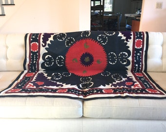 Vintage suzani quilt | Etsy : suzani quilt - Adamdwight.com