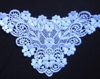 Venise Applique, 6+1/2 x 4+1/2 inch white color