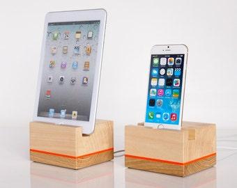 iPhone / iPad universal wooden dock - iPad mini 1/2/3/4 dock  - iPhone 5/6/7 dock