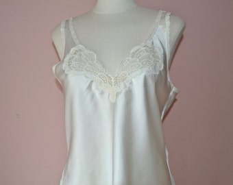 Ivory Satin & Lace Camisole. Butterfly Lace.  Warners. Vintage Lingerie. Modern Size Small Medium 34 36 - VL385