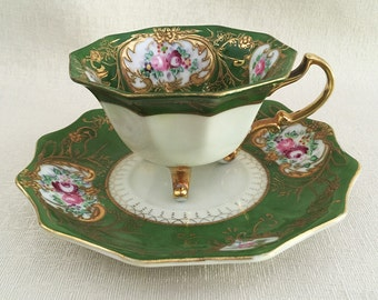 Gorgeous Vintage 3 footed Teacup Japan 1950s.