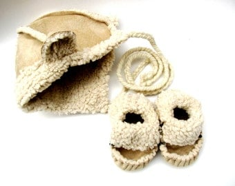 Baby Shoes with matching hat, soft soled shoes, baby hat, crib shoes, slippers, new baby