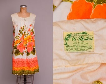 60s Hawaiian Babydoll Dress Ui Maikai Tropical Floral Print Souvenir Dolly Dress