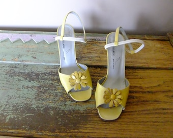 80s vintage shoes, yellow sandals, slingbacks, vintage shoes, Yves de BEAUMOND