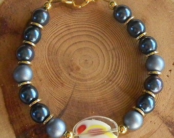 Indigo Bracelet with Lampworked Glass Focal Twilight Blue to Dusky Blue to Midnight Blue Czech Crystal and Perls for Small to Average Wrist