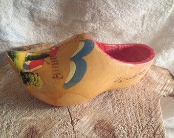 "Dutch Wooden Shoe. Handpainted. Windmill. 7.5"" long x 3.5"""