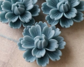 26 mm Pale - blue Chrysanthemum Resin Flower Cabochons (B)(.gm).