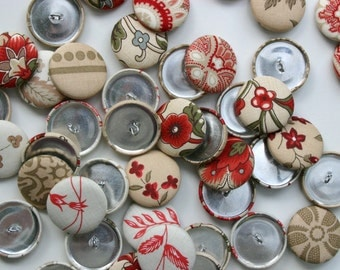Handmade Fabric Covered Buttons - Mixed Set of 5 - 28mm - 1 1/8 inch - Antique Red and Taupe Floral Handmade Fabric Buttons