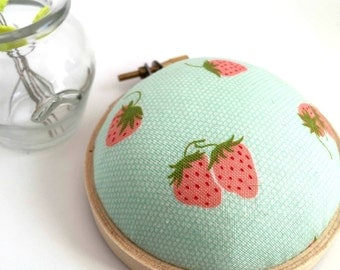 Mini Embroidery Hoop Pincushion: Strawberry - Gifts for Mom. Pin Holder. Needle Minder. Sewing Accessory. Sewing Pin Holder