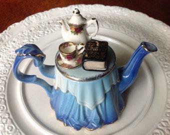 Royal Albert Old Country Roses Winter LadiesTeapot, OCR Teapot, English Teapot,Royal Albert Teapot, Old Country Roses Teapot, Winter Teapot