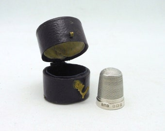 Vintage 1926 English Sterling Silver Thimble with Leather Case - E.F. Braham (Maker)