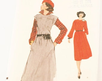 70s Vintage VERY VOGUE Dress Sewing Pattern 9604 Sz 8