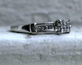 Lovely Vintage 10K White Gold Diamond Cluster Engagement Ring.