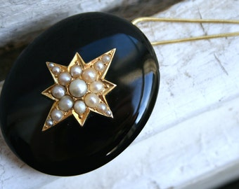 Antique Victorian 14K Yellow Gold Pendant Locket with Pearls and Onyx.
