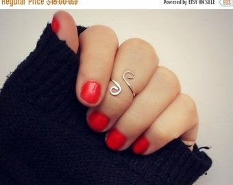 FALL SALE sterling silver knuckle ring, midi ring, swirl hammered knuckle ring, stacking ring, 925 silver
