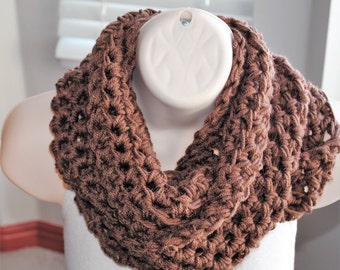 the chunky milk chocolate crochet infinity scarf
