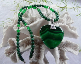 21 Inch Green Banded or Striped Agate Heart Pendant Necklace with Earrings