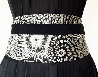 """Obi belt """"Black silk"""" - Black silk obi belt with white embroidery- Wrap belt for a bridesmaid outfit - without visible seams"""