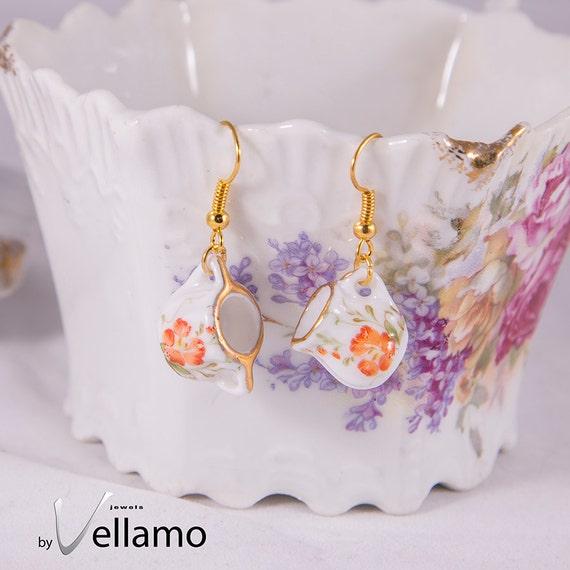 Cute earrings with small tea set, gold rim and flowers, miniature porcelain, fashion dangle earrings, gold plated, miniature tea cups