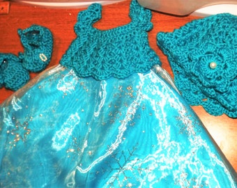 Baby Princess Dress, Handmade, Booties and matching Hat. Turquoise color. 3 to 4 months