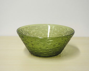 "Green Crinkle Bowl  - Medium Soreno Vintage Serving Bowl, 81/2"" Fire King / Anchor Hocking 1960s / Mid Century Modern Retro Kitchen"