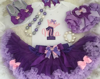 6-pc set Crown number Birthday Outfit-Include personalised Top,Super fluffy skirt, headband,bloomer, necklace and bracelet
