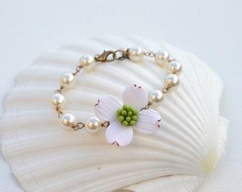 Dogwood and Pearls Bracelet, Dogwood Flower bracelet, Dogwood Spring Bracelet, Dogwood Bridal Jewelry Theme.